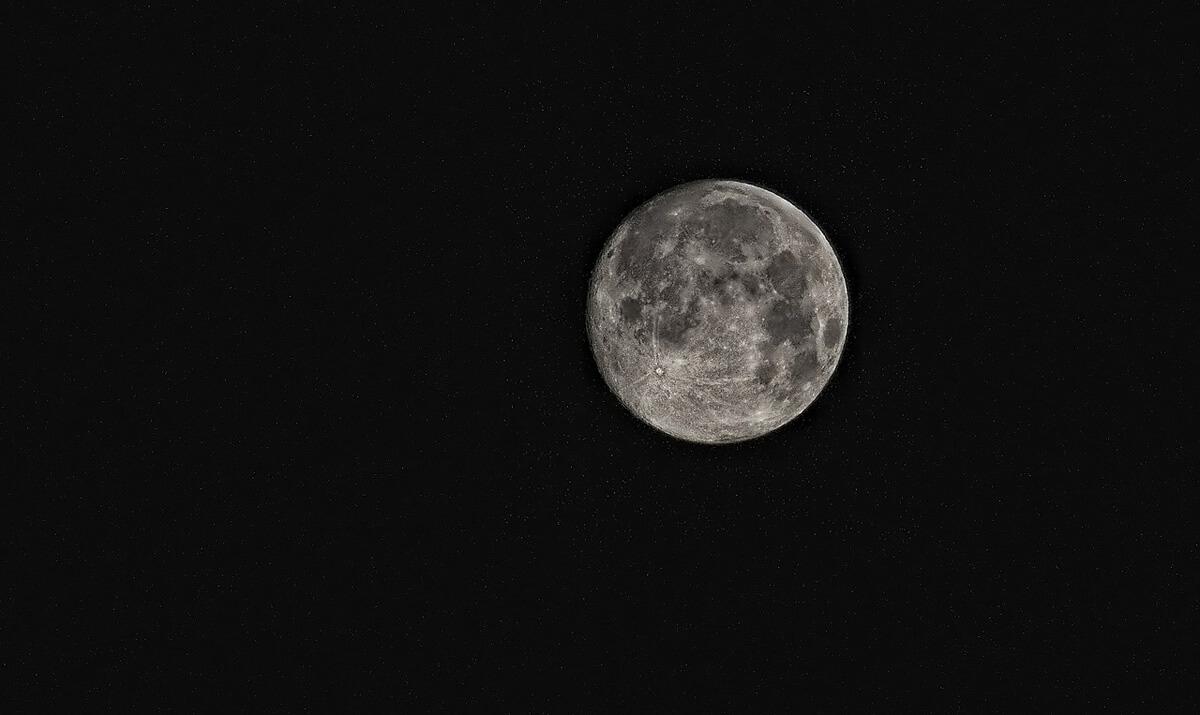 『月が近づけば少しはましだろう』ASKAの書く歌詞がもう芸術の域