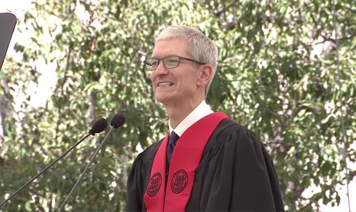 「バカにするやつは放っておけ」Appleティム・クックの卒業スピーチ